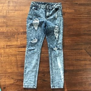 Refuge women's stretch ripped jeans size 10